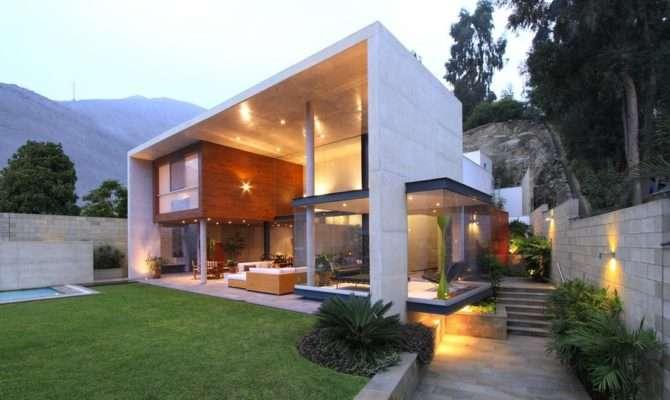 Modern Interplay Indoor Outdoor Living Spaces