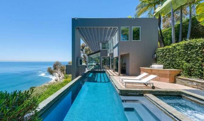 Modern Malibu Beach House Rooms