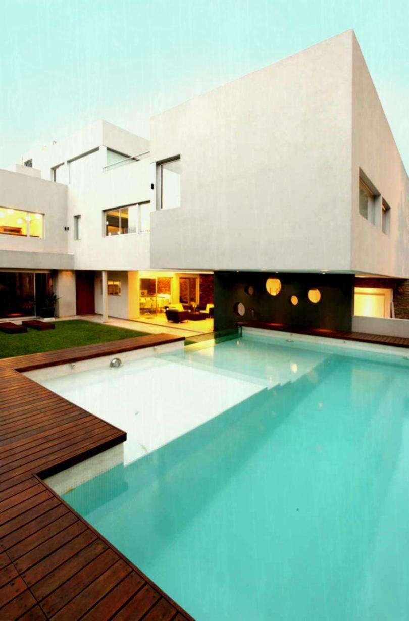 Modern Mansion Pool Green Garden Homelk