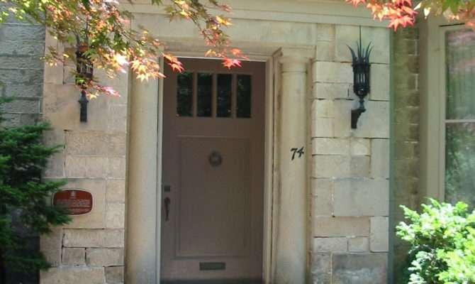Modest Entrances Homes Design