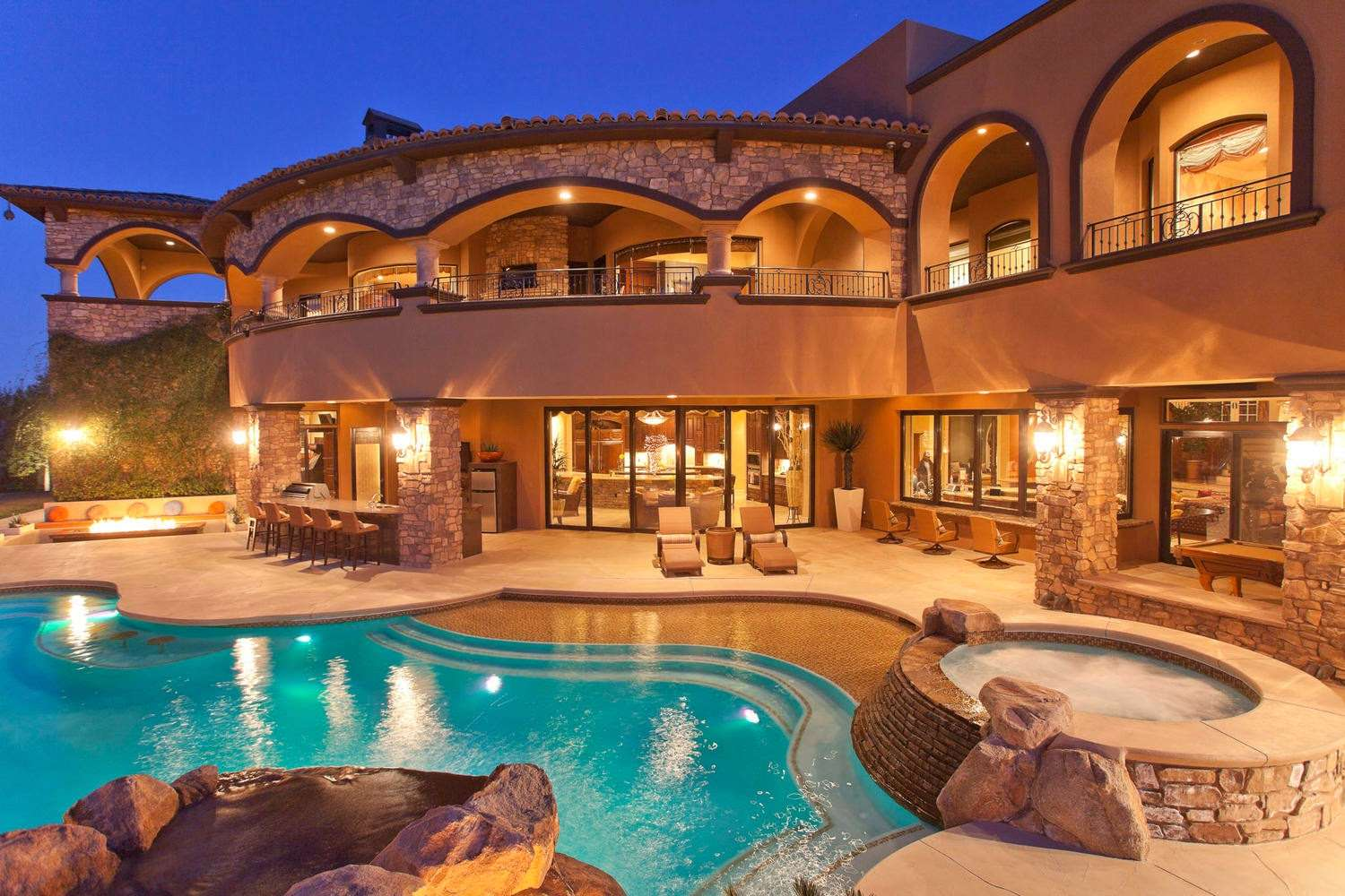 Most Heavenly Luxury Mansions Swimming