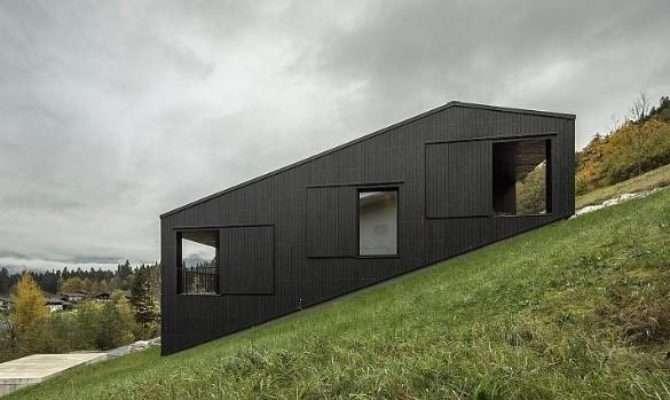 Mountain House Maximises Steep Slope Stuff
