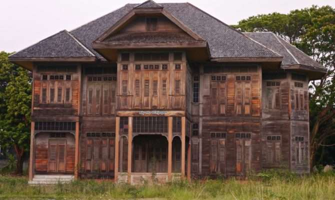 New Beautiful Wooden Houses Nice Design