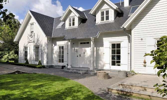 New England Style House