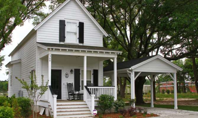 Nice Little Low Country Style Cottage Recently Built