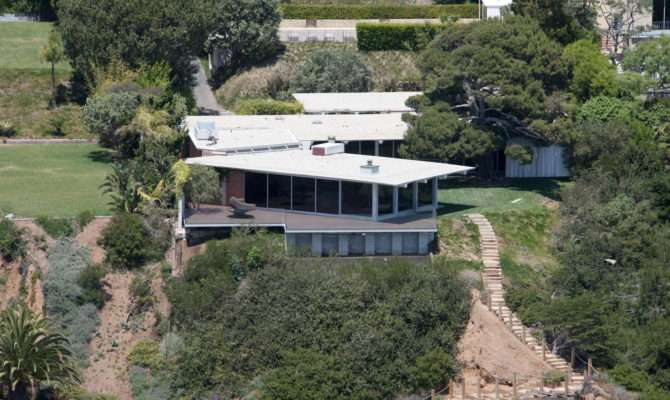 Oceanside Beauty Brad Pitt Angelina Jolie Malibu Beach House