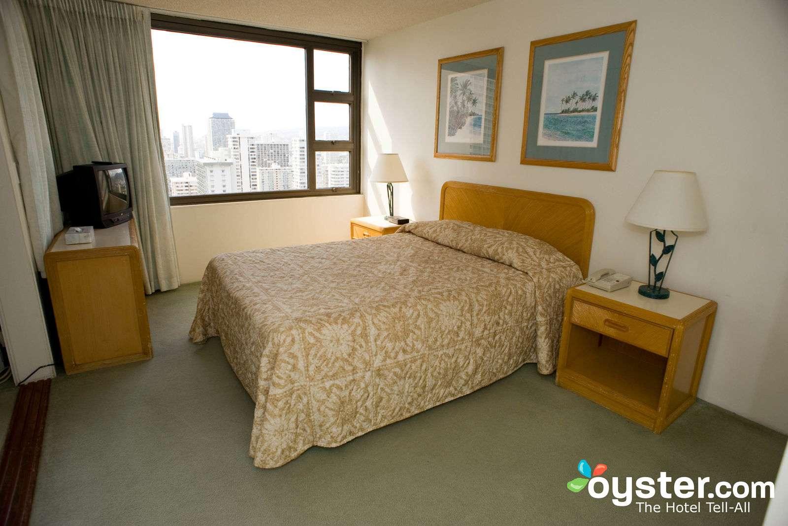 One Bedroom Bath Deluxe Ocean Suite