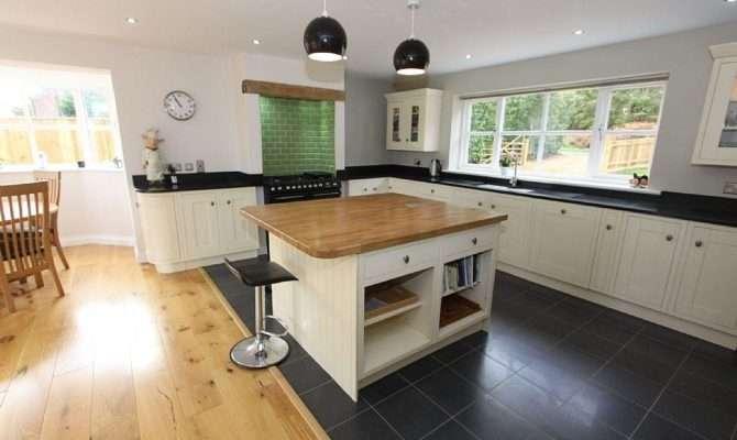 Open Plan Traditional Beige Black White Kitchen Diner