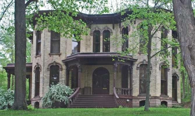 Picturesque Style Italianate Architecture William