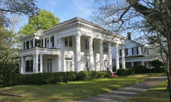 Plantation Home Stereotypical Antebellum Mansion