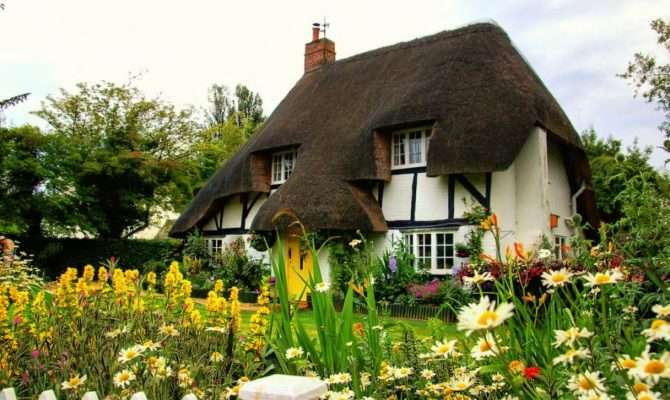 Quaint Country Cottage Pixdaus