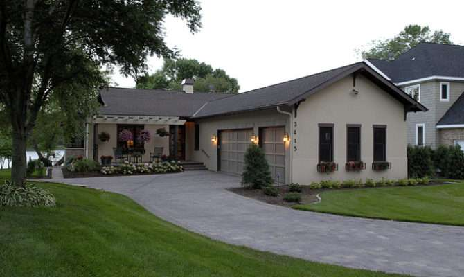 Ranch Style Homes Portico