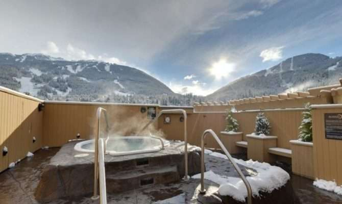 Rooftop Hot Tub Whistler
