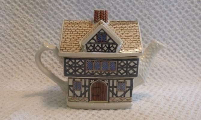 Sadler English Country Cottage Collection Teapot Tudor House Made