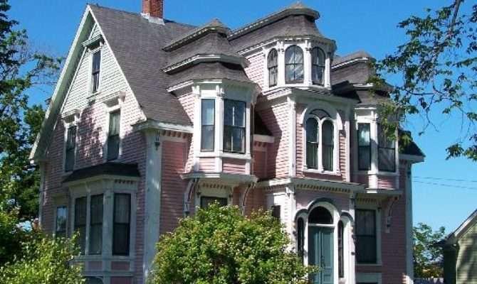 Sassy Countess Historic Estates Grand Lifestyles