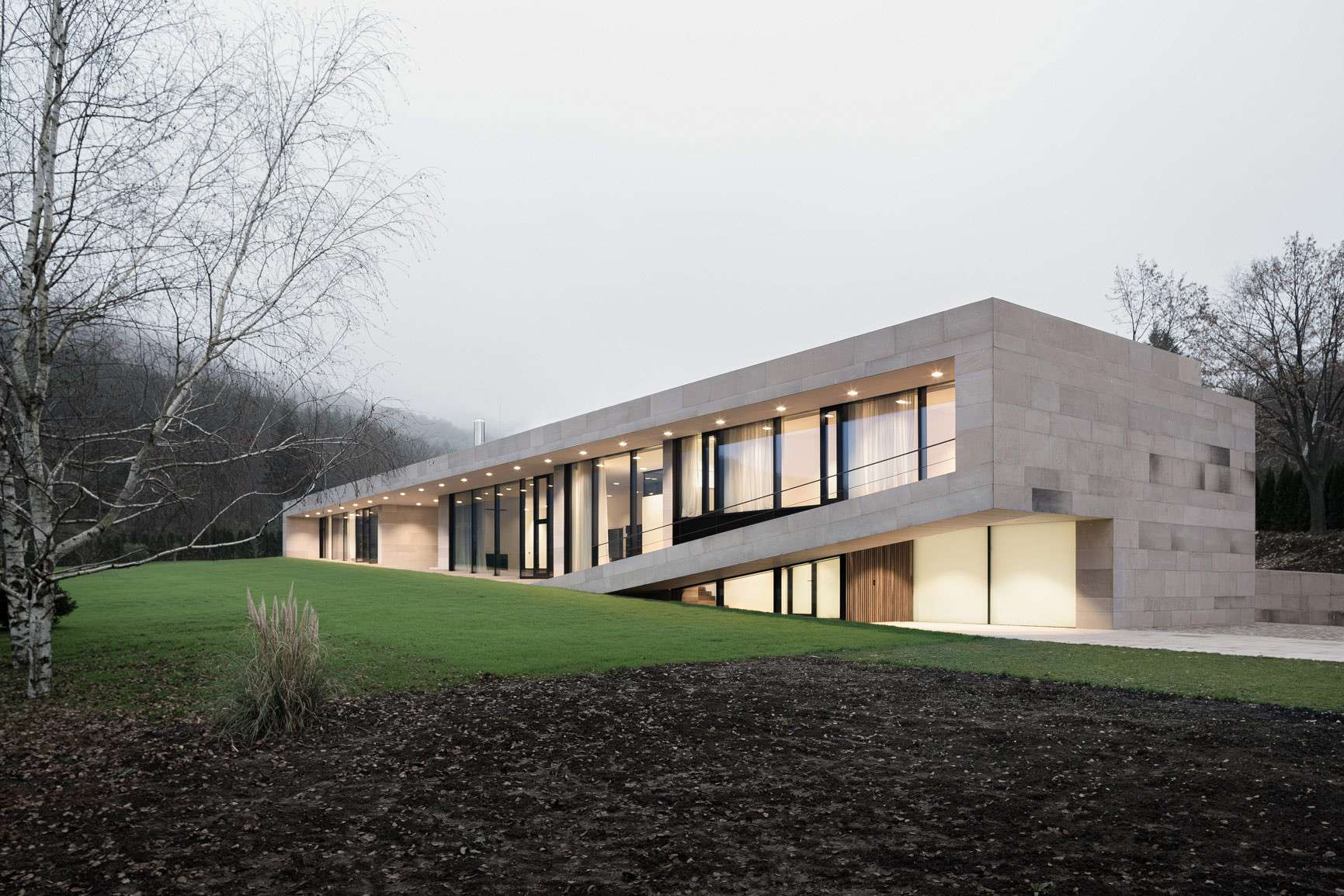 Slight Slope Long House Architects Archdaily