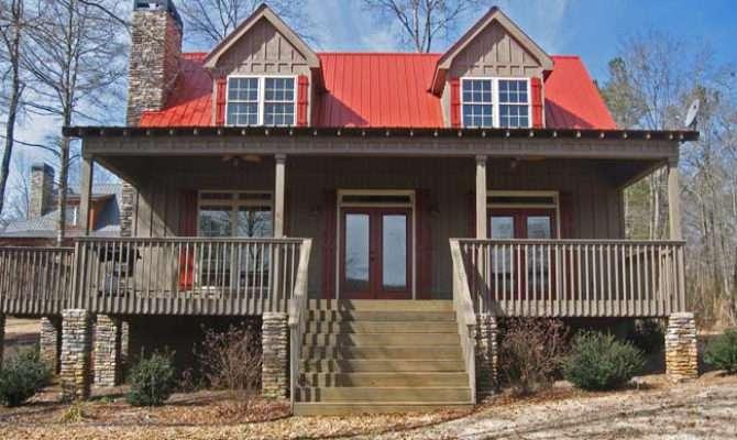 Small Bedroom Lake Cabin Open Screened Porch
