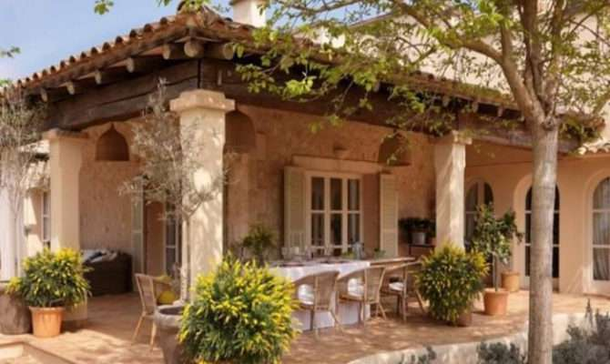 Small Spanish Style Homes Mediterranean Courtyards