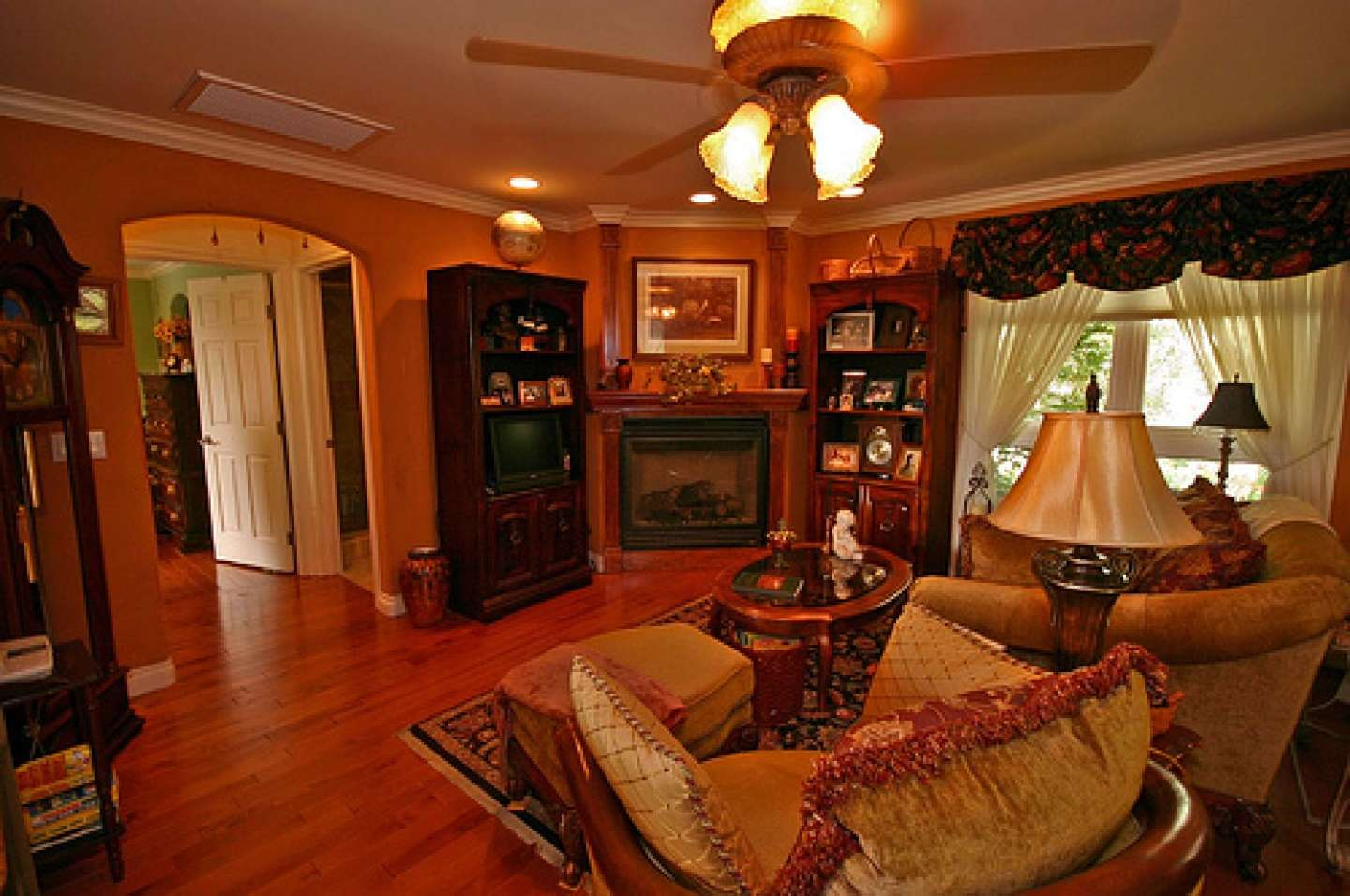 Small Traditional Living Room Decorating Ideas