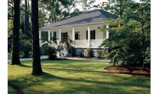 Southern Country Houses Eplans Low House Plan