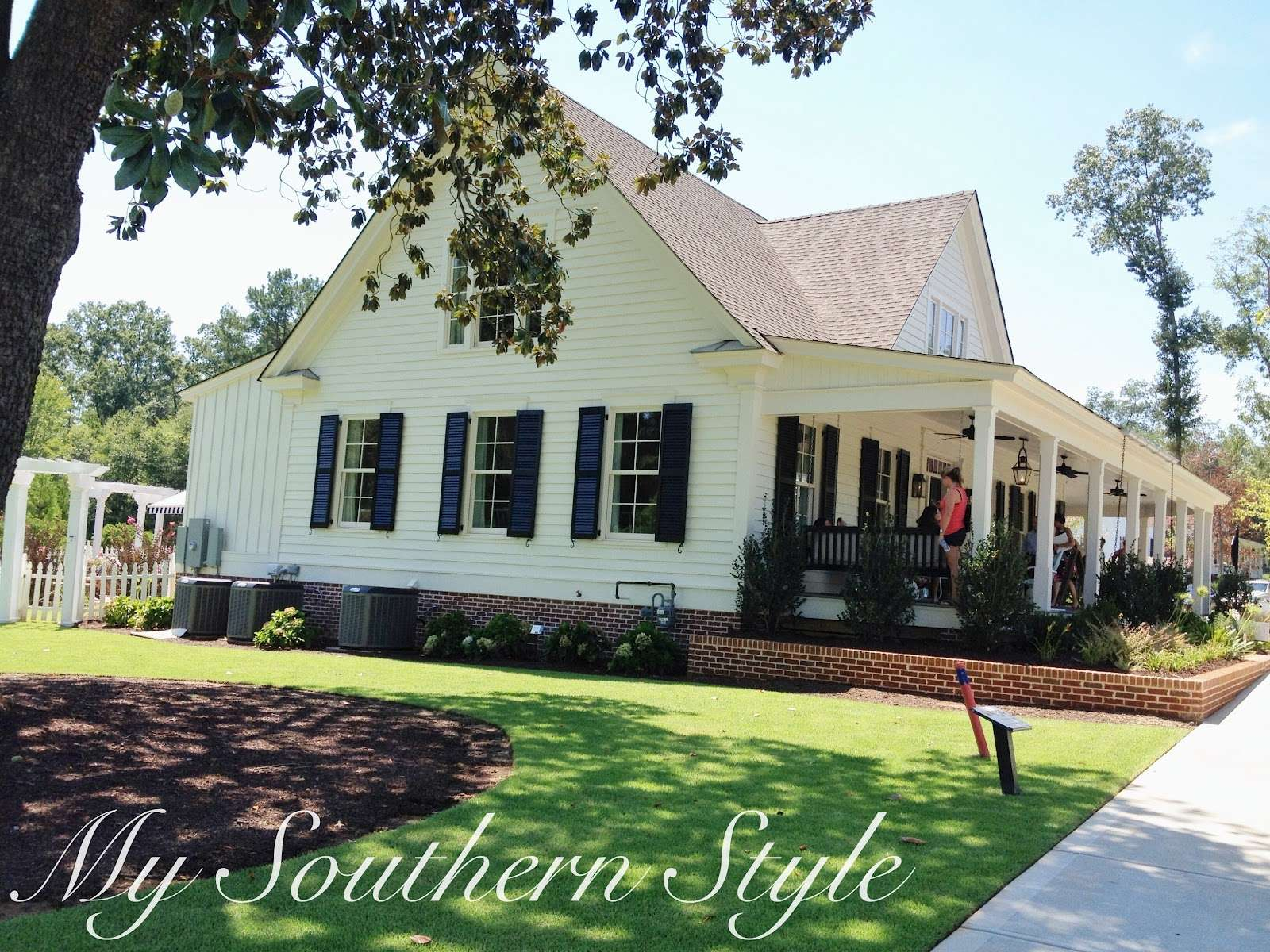 Southern Style Tour Living Idea House