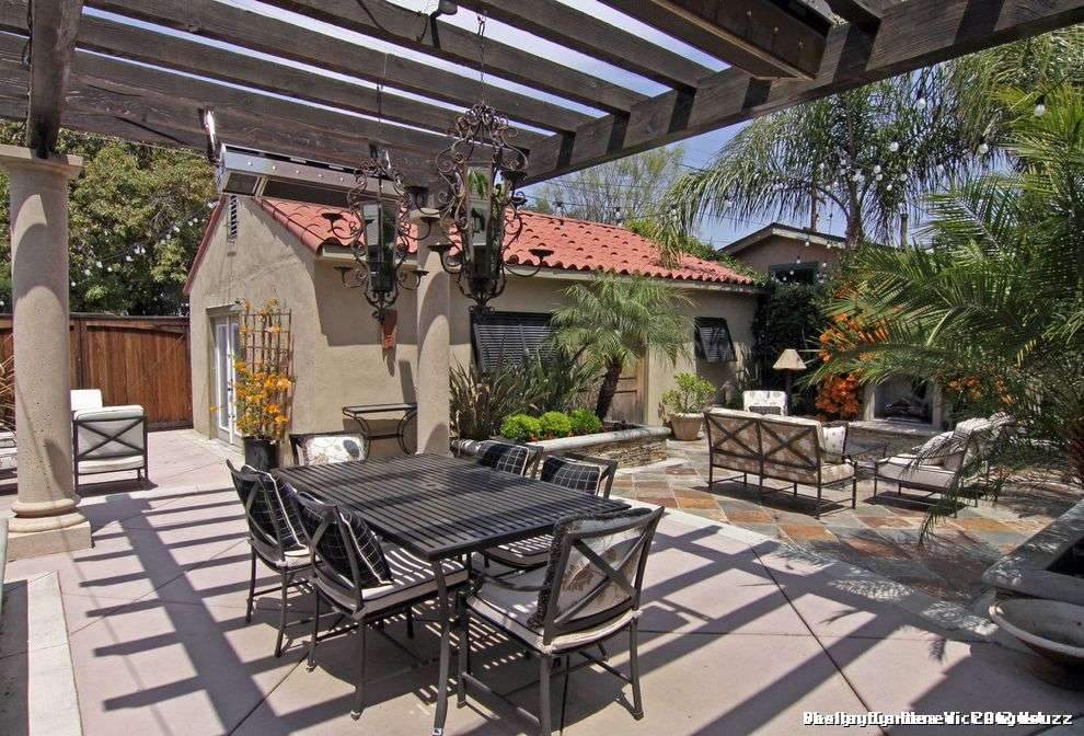 Spanish Style Outdoor Patio Paving Rustic