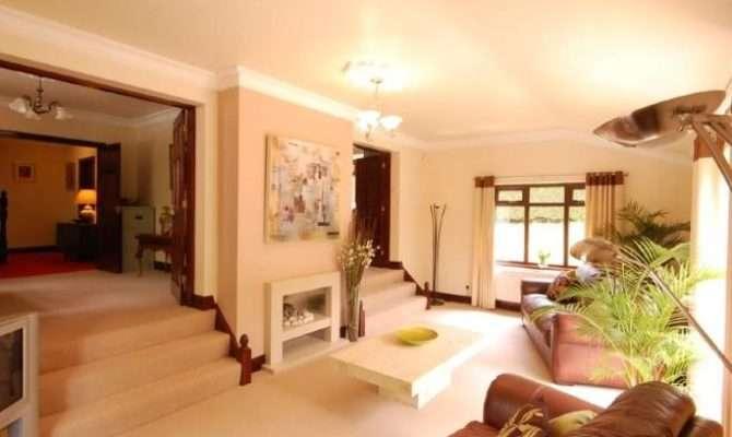 Split Level Beige Living Room Lounge Furniture Leather