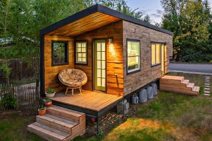 Stunning Tiny House Custom Built Gooseneck Flatbed Trailer