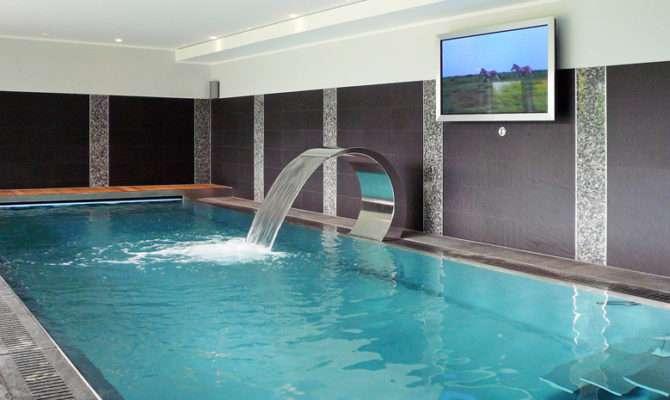 Swimming Pool House Tessin