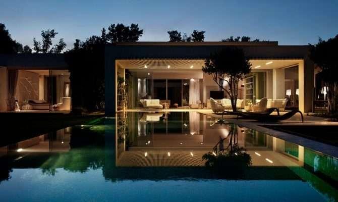 Tastefully Decorated Modern Style Villas Close Nature
