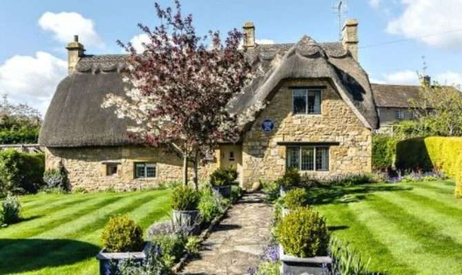 Thatched Self Catering Country Cottages England