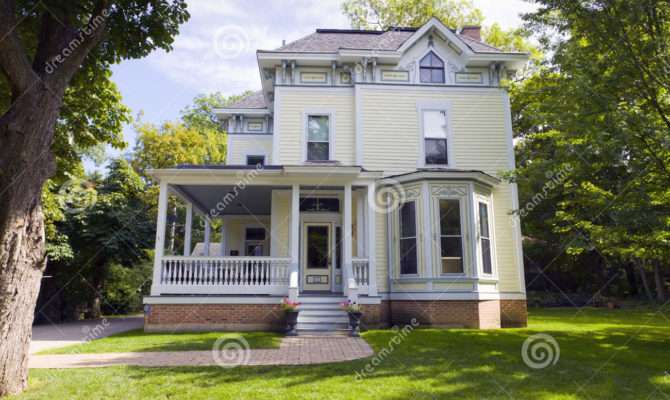 Traditional American Home Photography