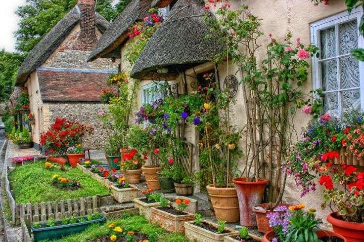 Traditional English Cottage Garden Pinterest