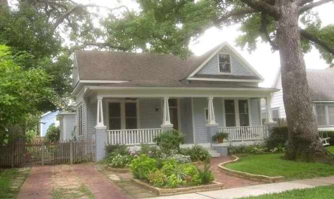 Tropical Texana Garden Book Review America Cottage Gardens