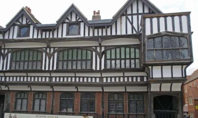 Tudor House Garden Southampton United Kingdom History