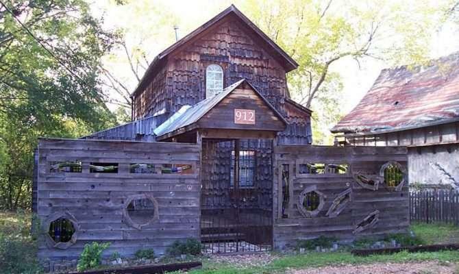 Unique Houses Built Reclaimed Materials
