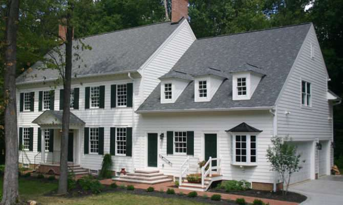 Williamsburg Colonial Exterior Traditional
