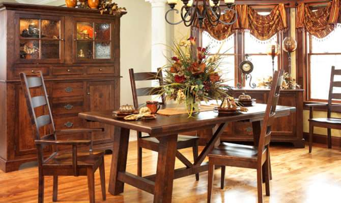 Williamsburg Style Dining Table