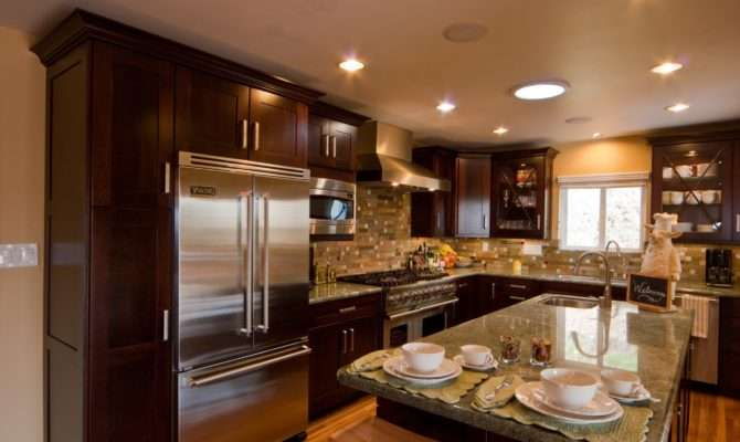 Wooden Kitchen Cabinet Rectangle Shaped Island