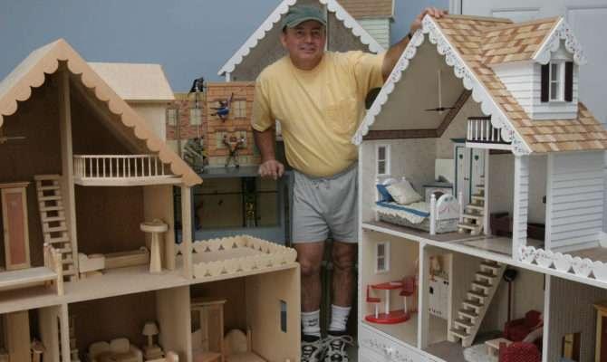 Как сделать дома домик для куклы