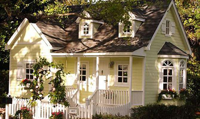 Yellow Dream Cottage White Picket Fence